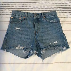 Genuine LEVIS Wedgie Fit Jean Shorts